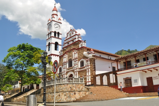 Driveme Renta Car Medellín, Te Invita a Conocer Copacabana